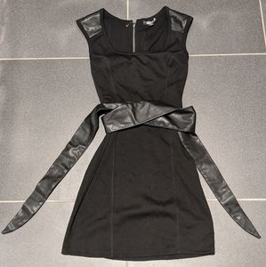 Guess Topanga Belted Dress (Black, S)-Preowned